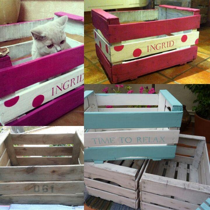 Antiguas cajas de fruta recicladas