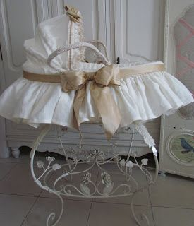 Angela Lace: Linen Moses Basket