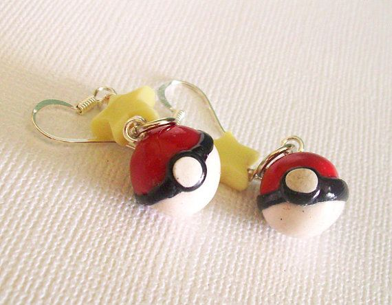 Pokeball Earrings with Pale Yellow Star Beads by FrostedSoSweet, $15.50: Pokebal Earrings, Drop Earrings, Pokeb Earrings, Yellow Stars, Stars Beads, Geeky Girls, Pale Yellow