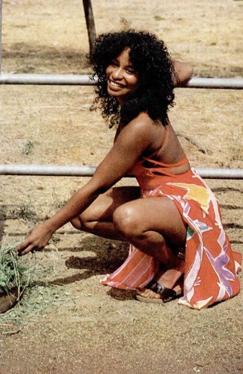 Chaka was and still is a bad black woman. [Edited by Max]