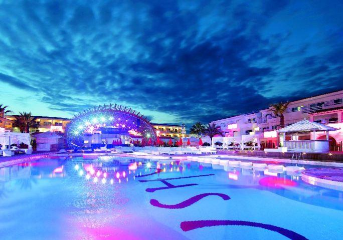 Ushuaia – Ibiza, Playa D'en Bossa