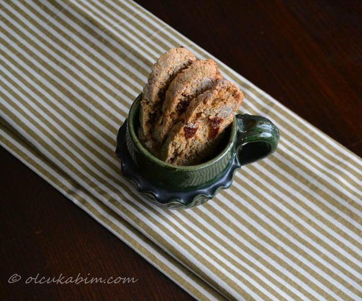 """My Biscotti"" - Whole wheat walnut raisin biscotti recipe from Martha Stewart :) yummy"