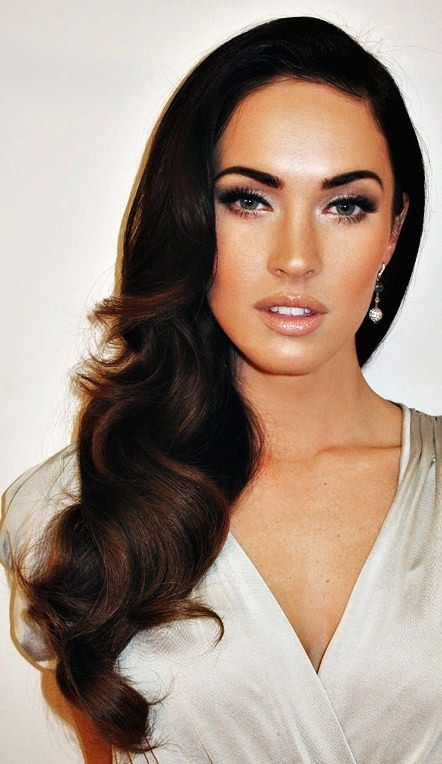 Old Hollywood (for the bridesmaids? a little contrast from the bride with the light lips and dark eyes)