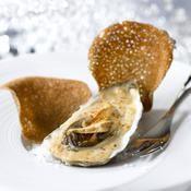 Huîtres au foie gras et croustilles de sarrasin - une recette Découverte - Cuisine