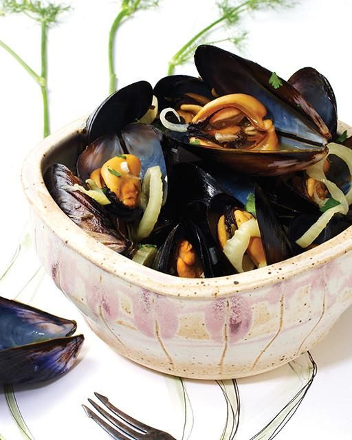 Mussels in Champagne Fennel Broth