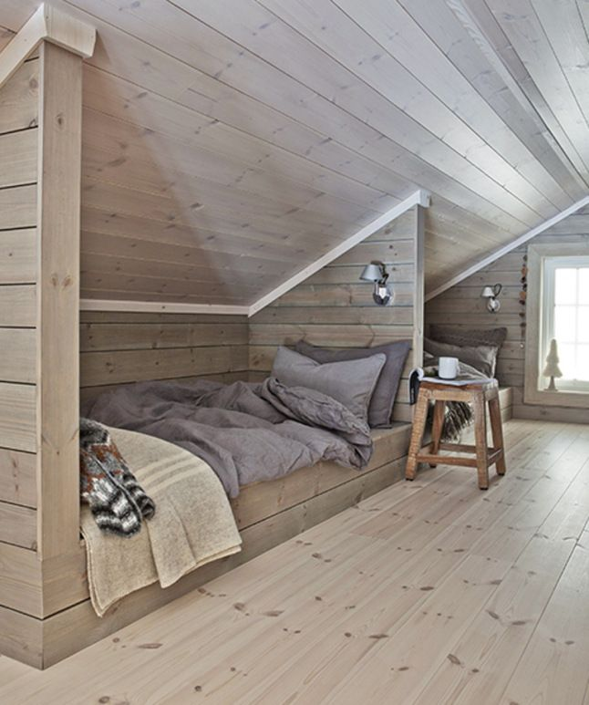 Jeder nur mögliche Raum einer Hütte oder Hauses kann zum Schlafen genutzt werden. Schöne Lösung.