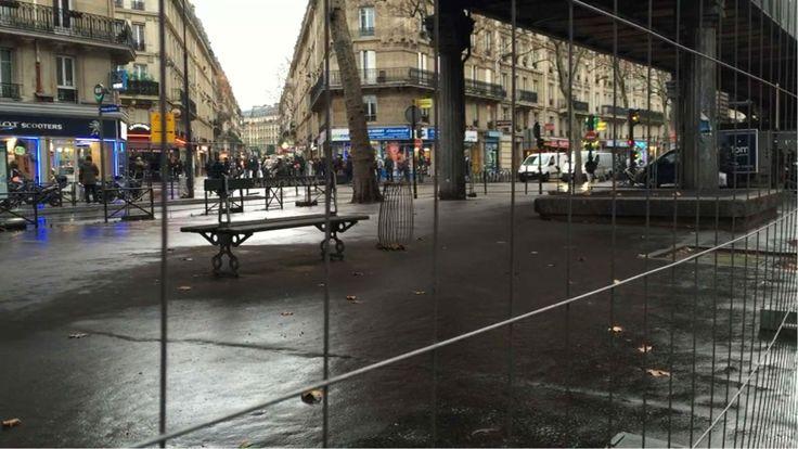 Des grilles ont été installées sous le métro Stalingrad, dans le 18e arrondissement de Paris.