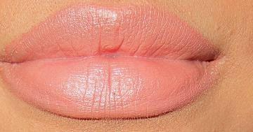 """MAC's """"Honeylove"""" lipstick"""
