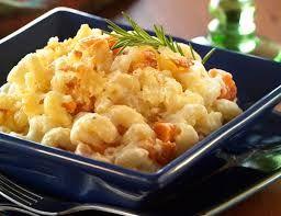 Kahvaltılarınıza renk ve lezzet katıcak nefis bir tarif Peynir Soslu Patates Tarifi