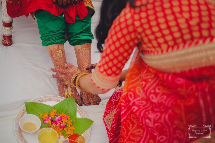 Candid by Stillemotional, Ahmedabad  #weddingnet #wedding #india #ahmedabadwedding #indian #indianwedding #weddingphotographer #candidphotographer #weddingdresses #mehendi #ceremony #realwedding #lehenga #lehengacholi #choli #lehengawedding #lehengasaree #saree #bridalsaree #weddingsaree #indianweddingoutfits #outfits #backdrops  #bridesmaids #prewedding #photoshoot #photoset #details #sweet #cute #gorgeous #fabulous #jewels #rings #tikka #earrings #sets #lehnga #love #inspiration