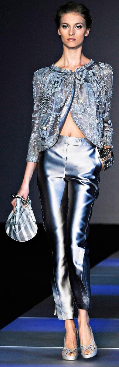 Giorgio Armani Ready To Wear Spring/Summer 2012   Milano Moda Fashion Week http://www.vogue.com/collections/spring-2012-rtw/giorgio-armani/review/#/collection/runway/spring-2012-rtw/giorgio-armani/1/