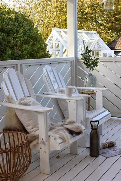 ¿Dónde pondrías una silla Adirondack? http://patriciaalberca.blogspot.com.es/