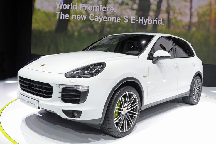 [Paris Motor Show 2014] Porsche Cayenne S E-Hybrid.  Porsche Cayenne Hybrid unveiled to the public in Paris Motor Show 2014. The hybrid Porsche Cayenne S E-Hybrid, uses a supercharged, three-liter V6 engine with a performance of 333...  readmore: http://www.carxmotor.com/2014/10/05/paris-motor-show-2014-porsche-cayenne-s-e-hybrid/  #porsche #porschecayennesehybrid #parismotorshow #parismotorshow2014 #porschecayenne #porschecayenees