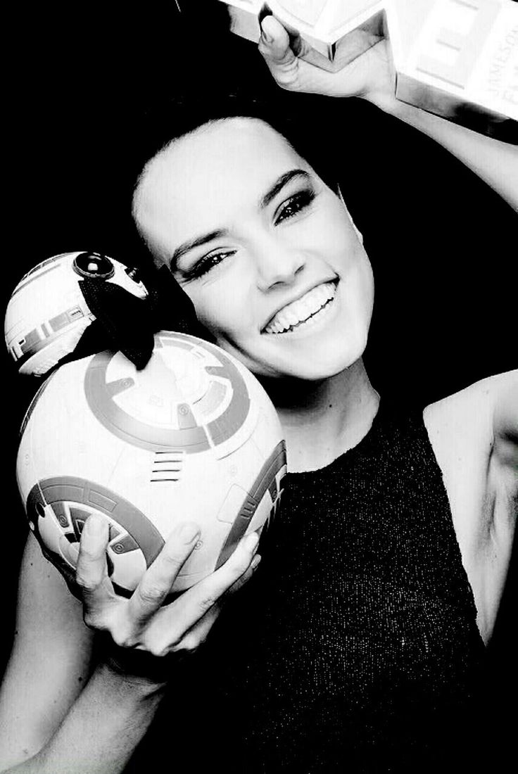 BB-8 + Daisy Ridley