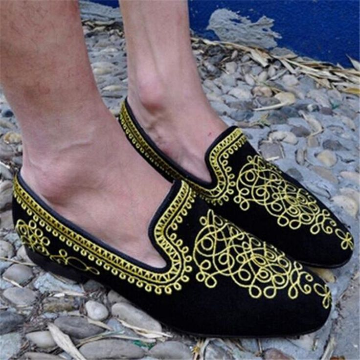 2017 New Fashion Gold Embroidery Men Suede Loafers Mens Black Flats Creepers Espadrilles Comfortable Flat Shoes Men Ankle Boots