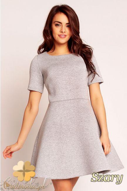 Odcinana sukienka piankowa marki Nommo.  #cudmoda #moda #ubrania #styl #odzież #sukienki #clothes