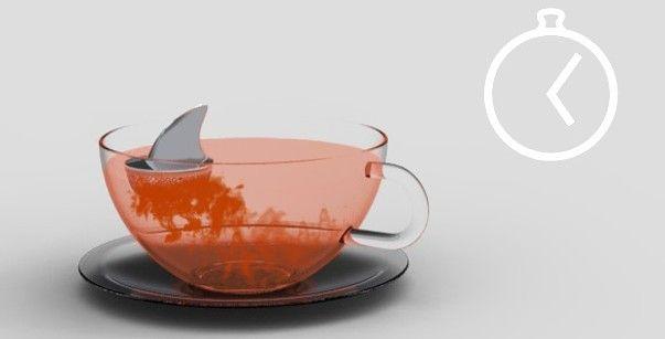 シャーク・ティーインフューザー    赤い紅茶が何だかリアル