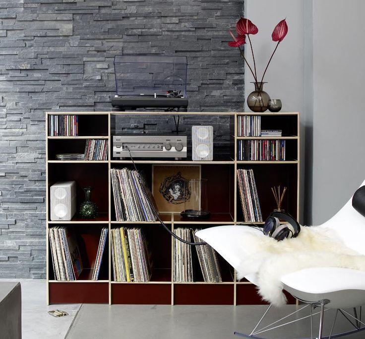 Das zeitlos funktionale Design und die hochwertige Qualität des Birkenschichtholzes garantieren Ihnen bleibende Freude an Ihrem Regalsystem.