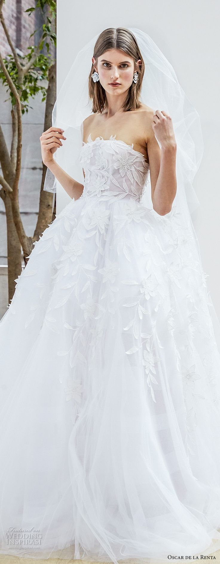Carolina herrera wedding dress style imogen thomas