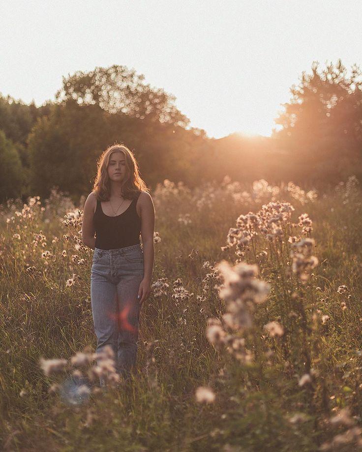 """42 gilla-markeringar, 2 kommentarer - Emma Grann 📷 (@emmagrann) på Instagram: """"One warm summer night with @almaabengtsson ☀️🌿"""""""