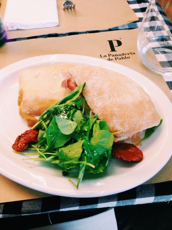 La panaderia de pablo san telmo buenos aires for Canape plural