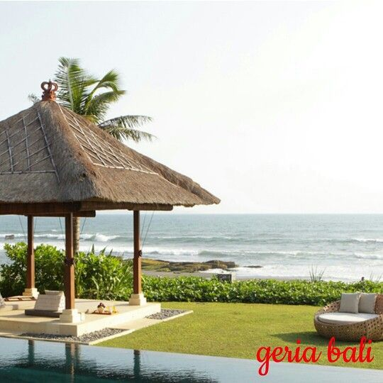 Situated at #Pererenan, a secluded strip of #beach on the west coast between the #fashionable #expatriate enclave of #Canggu and the #spiritually important Hindu #temple of #TanahLot. is perfect for #groups because its central atrium, which looks straight out to #sea, as its social focus.  www.geriabalivacation.com/melissa-villa/  #bali #geriabali #roomcritic #beautifuldestinations #hgtv #destinosmaravilhososbyeli #sassychris1 #bossresorts #golden_heart #luxwt #bgbk #luxuryworldtraveler…