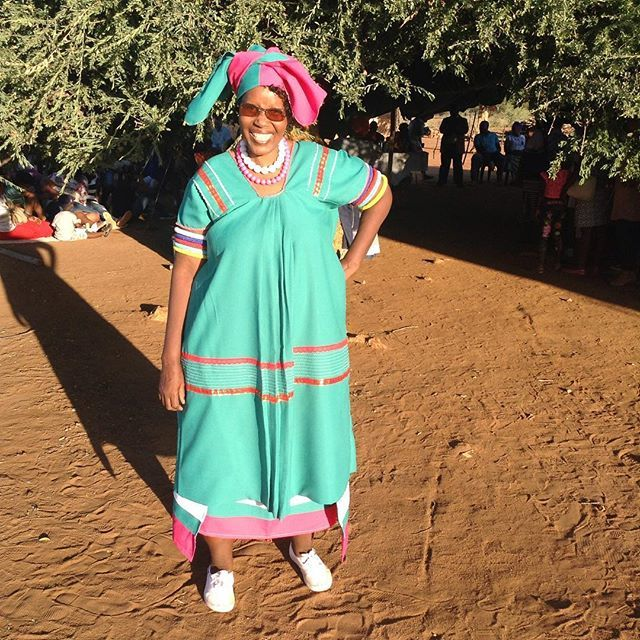 Winnie Mashaba Outfits: Eish Jah Neh I Miss Home Sweet Home #mahlakong #labole #ga