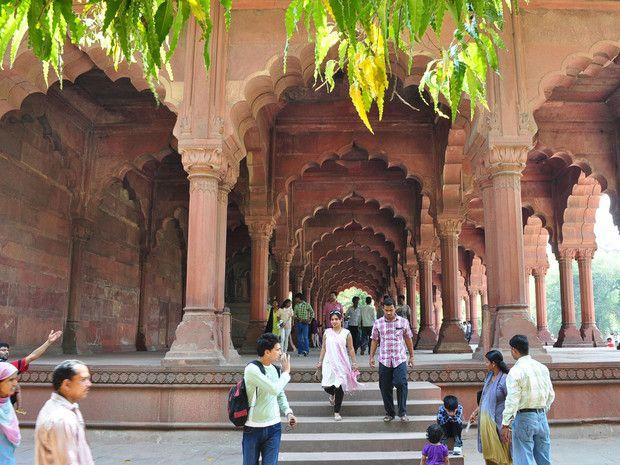 Le pavillon Diwan-i-Aam au Fort Rouge, à Delhi, en Inde.