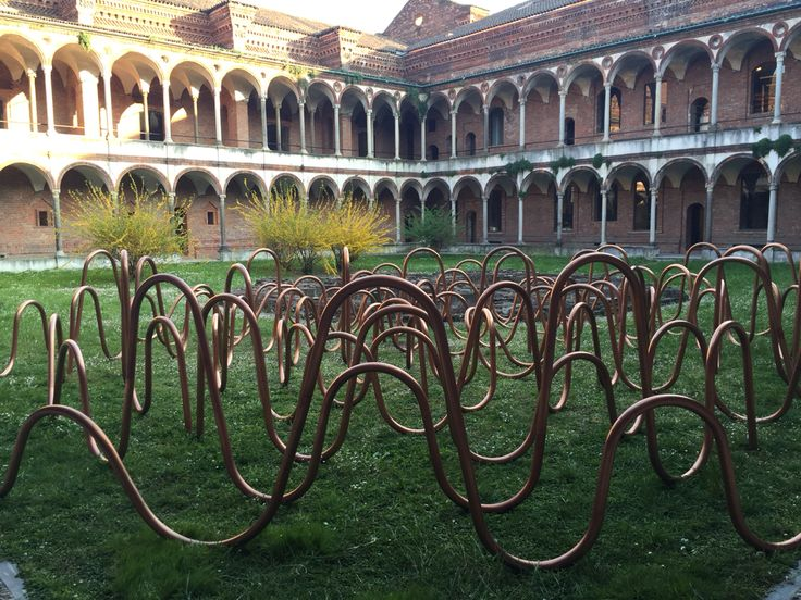 Copper labyrinth in the university of Milano during de fuorisalone 2015