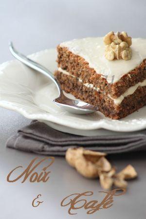 Gâteau aux noix et crème mascarpone au café.