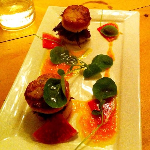 Short Rib And Scallop Burgers @ 39 Carden Street #guelphfood