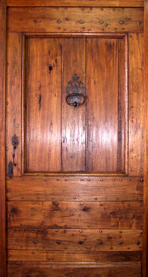 Entrée Provençale type Mas Noyer ou chêne patiné. Portes d'entree . Portes Antiques - fabricant restauration et création