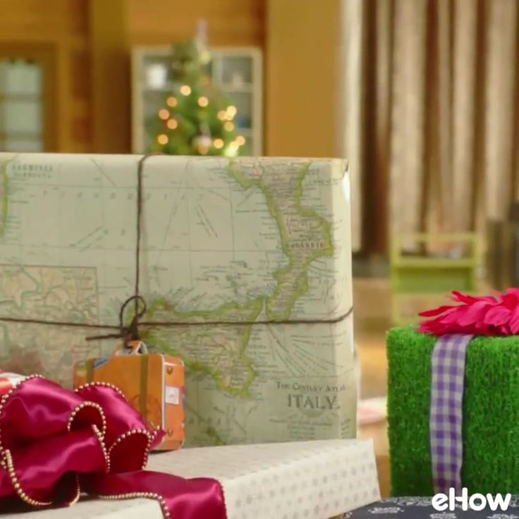 Wrapping tips that simplify your life and your holidays.