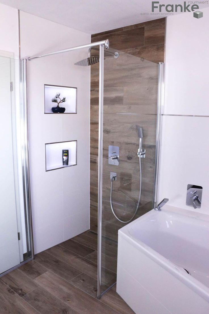 Badezimmer in einer modernen holzoptik: badezimmer von elmar franke fliesenlegermeisterbetrieb e.k.,modern fliesen