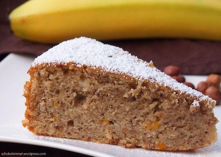 Für das letzte Adventswochenende, das so manch einer mit diversen Kuchen- und Plätzchen-Völlereien bestreitet (habe ich jedenfalls gehört 😀 ), empfehle ich Euch einen Kuchen, der richtig toll zur Jahreszeit passt: Er enthält viel Gutes wie Nüsse, Marzipan, Zimt und Orangenabrieb. Und richtig saftig wird er durch ein paar Bananen und Sauerrahm. Also wenn das … … Weiterlesen →