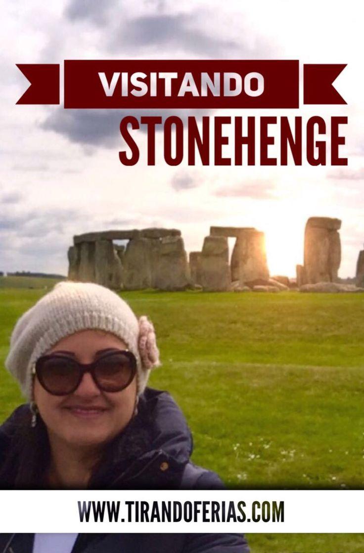 Situada a pouco mais de 130 quilômetros de Londres está Stonehenge, uma enigmática estrutura composta por círculos concêntricos de pedras gigantes, construído no período pré-histórico. O local é um dos pontos mais visitados de toda a Europa.