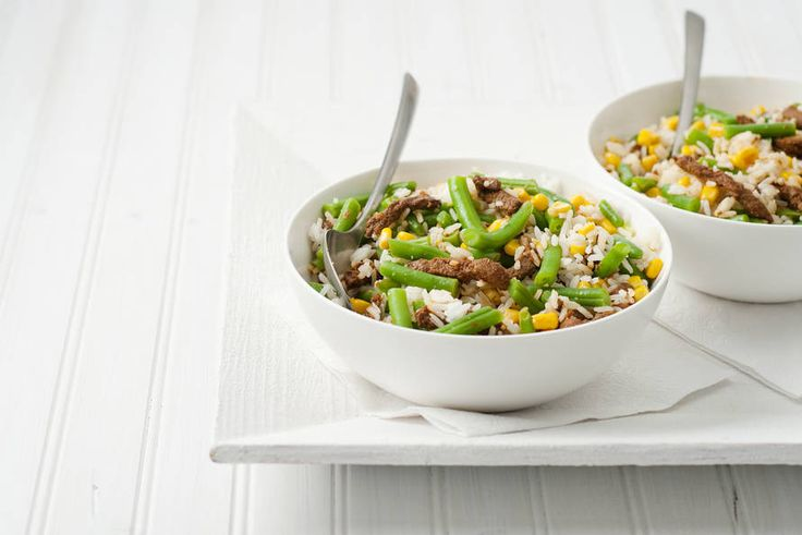 Thaise rijstsalade met runderreepjes - Recept - Allerhande