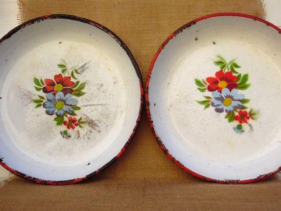 Ensemble de deux antiques émail bols  bols hongrois par AdryVintage