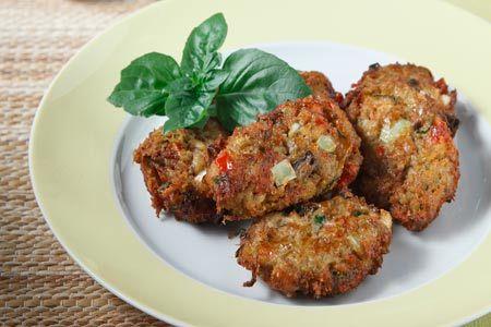Μελιτζανοκεφτέδες με πιπεριά και φέτα -στο φούρνο