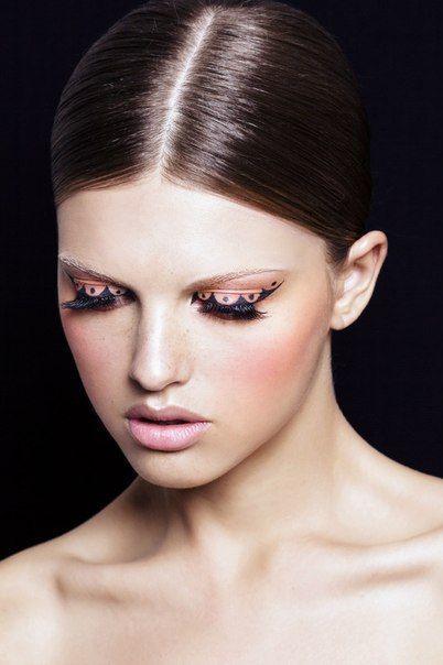 beauty make up liner pink model girl