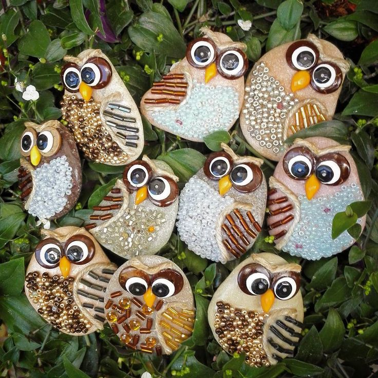 #gufi #owls #magneti #magnet #painter #paintingstones #pebbleart #handmade #fineart #unique #instagood #instadaily #instalike #animalart #artwork #illustration #drawing #creativity #hobbys #animals #painting #fattoamano #stoneart #rockpainting #tasboyama #pedraspintadas #realart #nature #sassidipinti #stonepainting