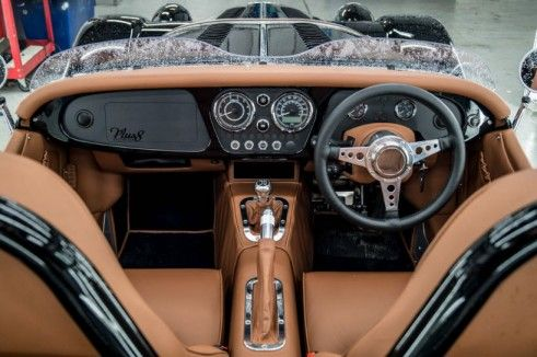 Morgan Plus 8 Speedster Review - Dashboard - carwitter