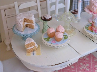 miniature cake and cupcakes