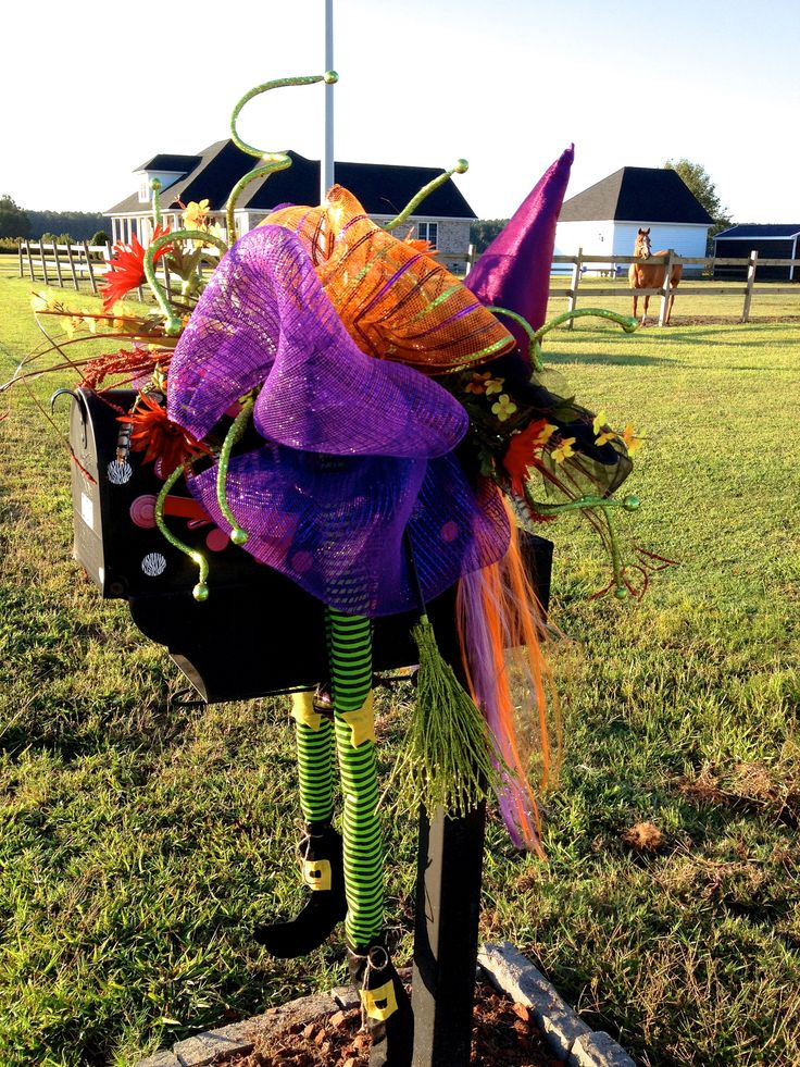 1000+ ideas about Mailbox Decorating on Pinterest  ~ 222911_Halloween Decorating Ideas For Mailboxes