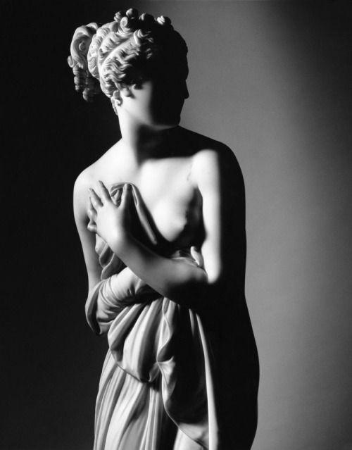 Venus Italica, Antonio Canova (Photographer: Mimmo Jodice)