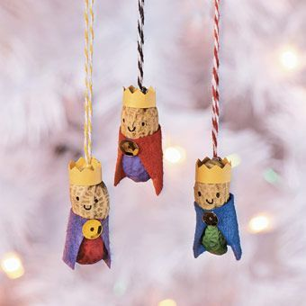 Corks ornaments and advent on pinterest for Cub scout ornament craft