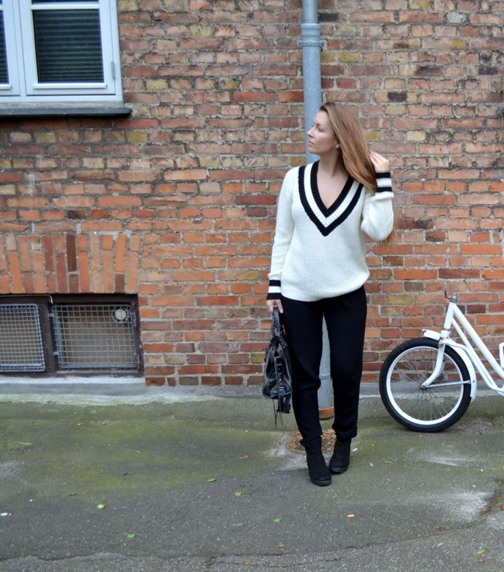 Anna Sprogøe spotted i objkamille knitted pullover  www.aboutstyle.bloggersdelight.dk