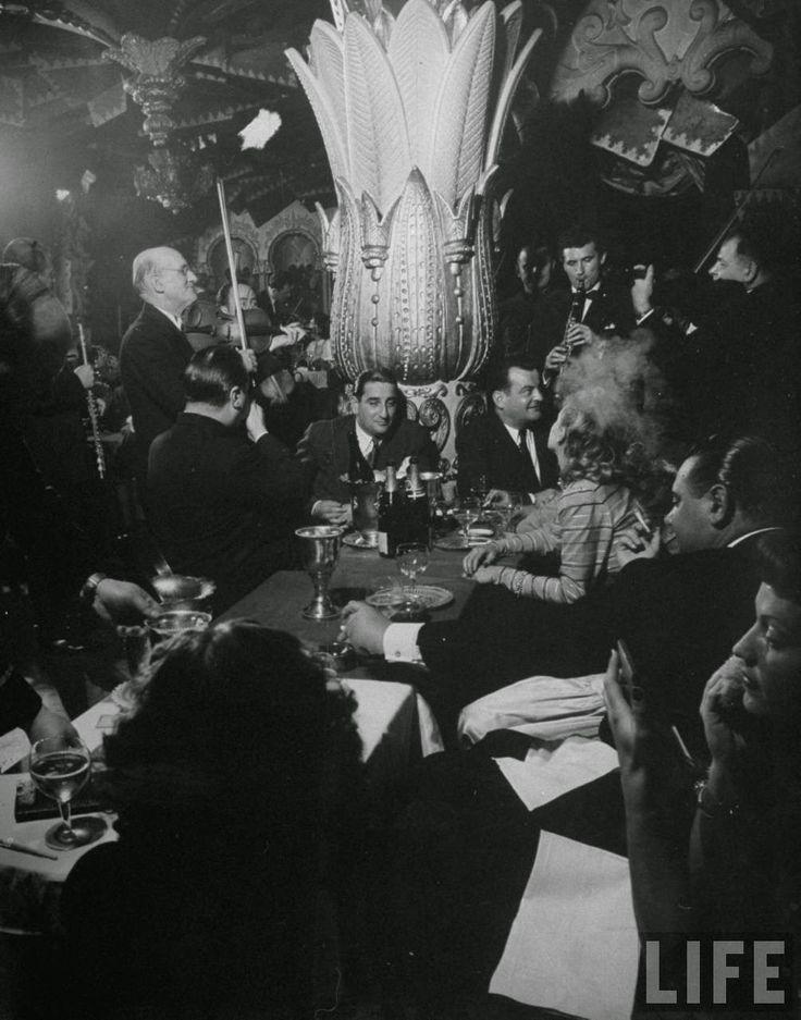 vintage everyday: Inside Paris Nightclubs in 1949
