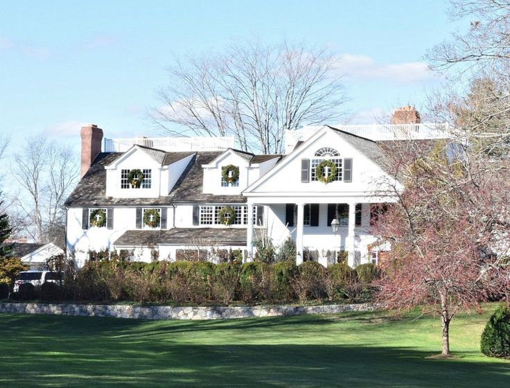 Best 25 new england style homes ideas on pinterest for New england home builders