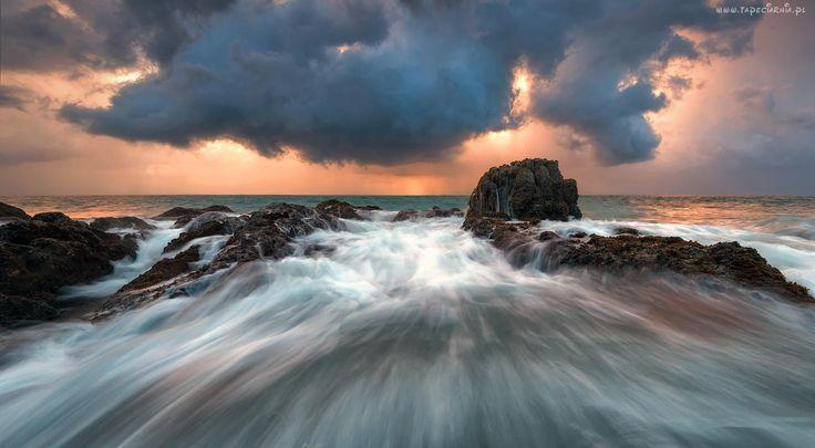 Morze, Skały, Fale, Niebo, Chmury